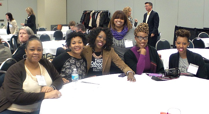 """From L to R: Kirstin Fuller (Passenger 156), Martine Foreman (Candid Belle), Moi (Moms N Charge), Nae Staggs (I Choose the Sun), Te Espi (The Style Medic), Michellette """"Mimi"""" Green (Mimi Cute Lips)"""