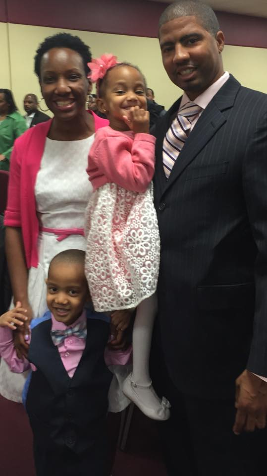 Dr. Cohen, her husband Marlon and their two children.