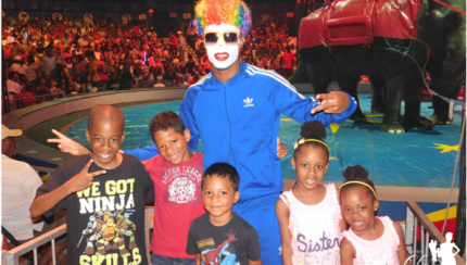 Universoul Circus - momsncharge