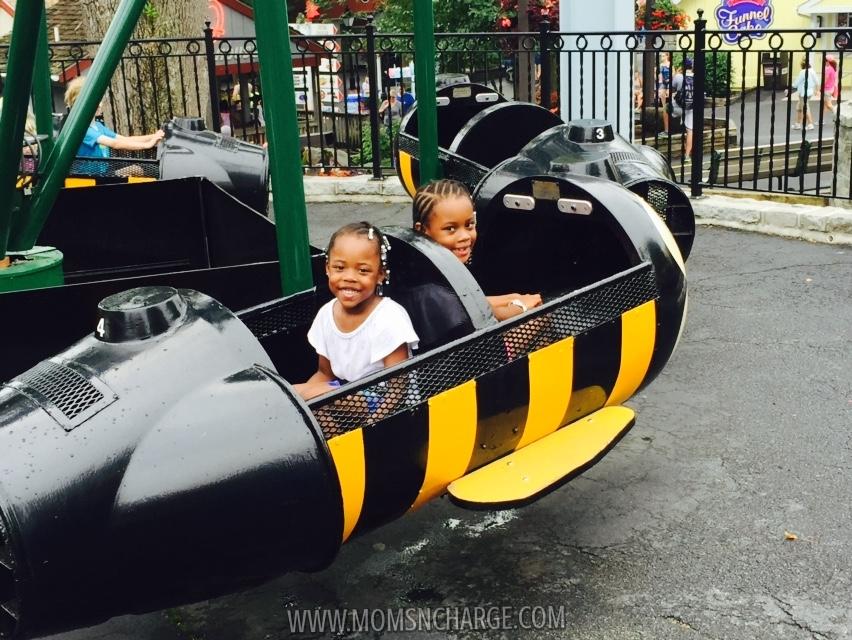#HersheyPark - kiddie ride - momsncharge