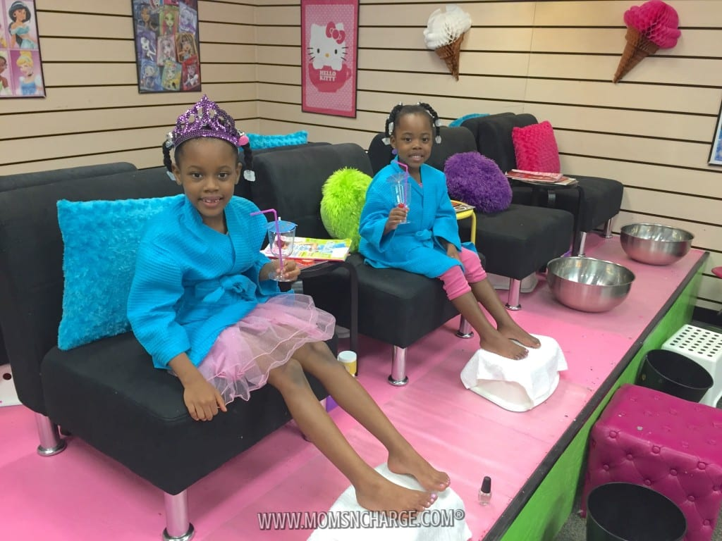 Rotten to the Core Kids Spa - MomsNCharge - R2CKidzSpa_09