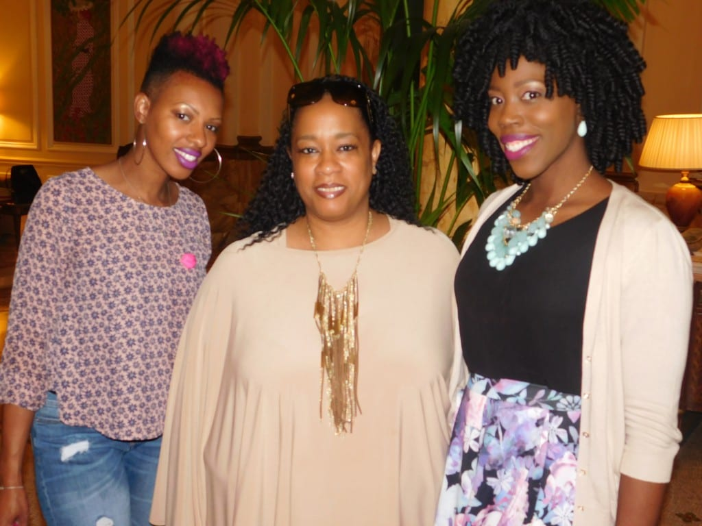 From left to right: Mimi of Mimicutelips.com, Kirstin of Passenger156.com and yours truly