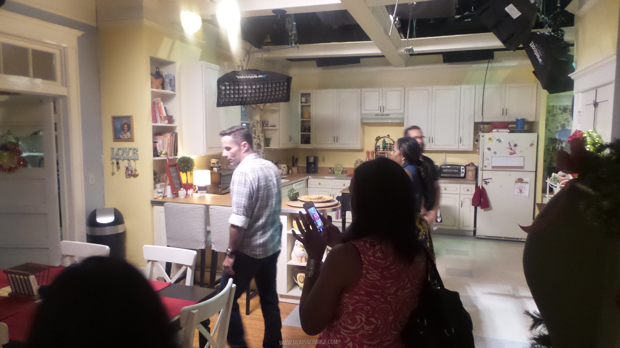 the-real-oneals-set-abctvevent-therealoneals_15
